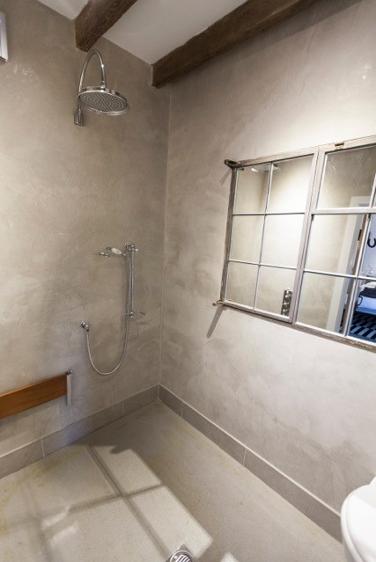 customised wet room